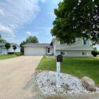 $184,000 - 704 S. Lawrence Way, Pontiac, IL.